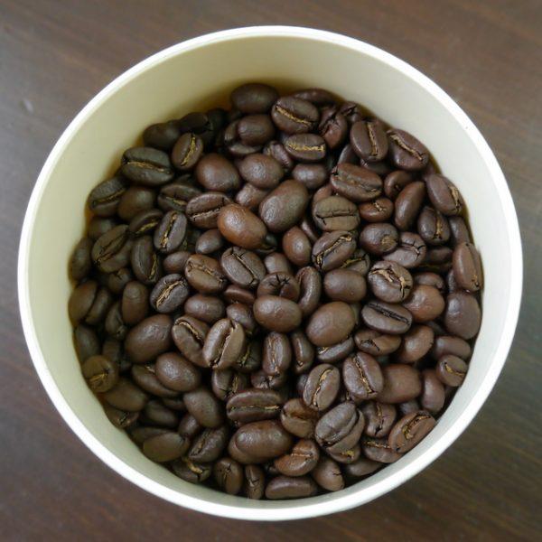 冷凍する場合もコーヒー豆は密閉容器に入れて保管してください。