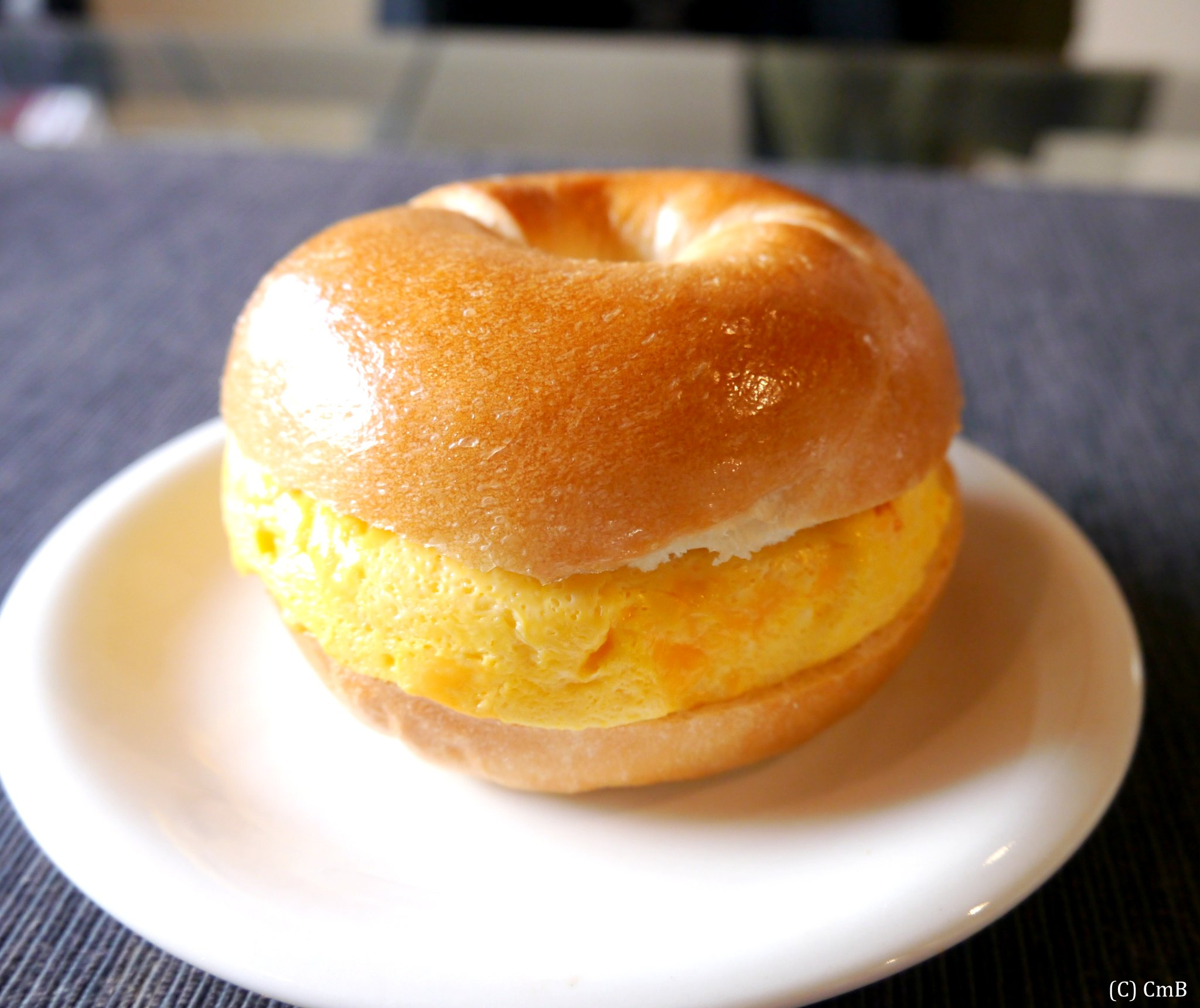 オムレツ(厚焼き玉子)のベーグルサンド
