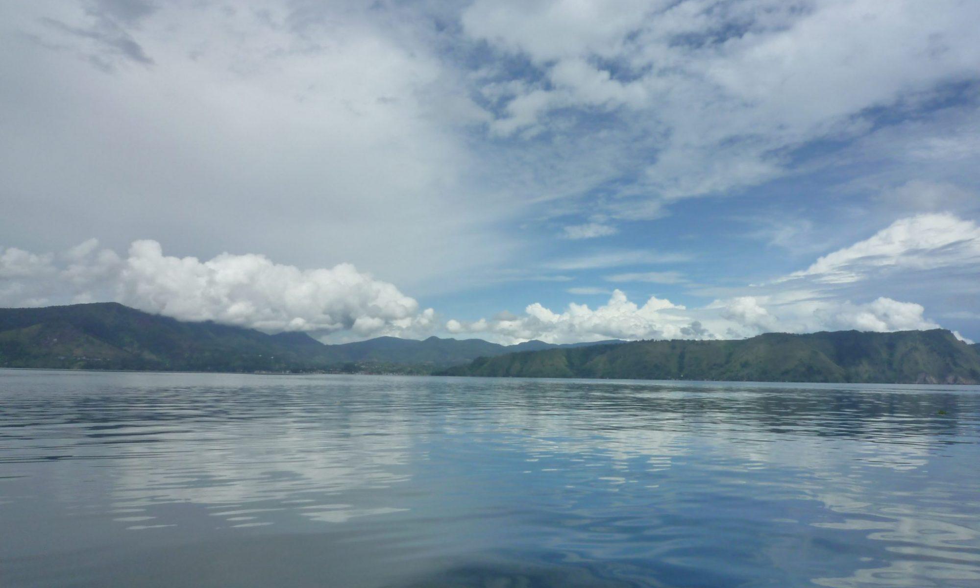 インドネシア スマトラ島のトバ湖