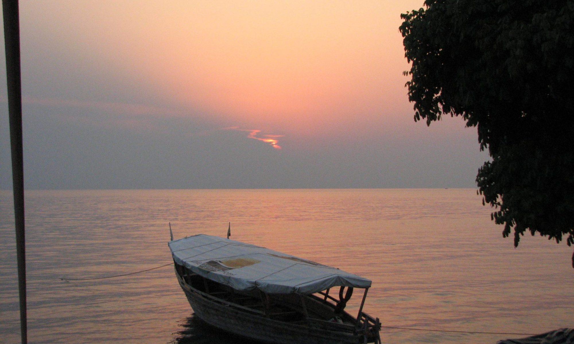 タンザニア ディープルー タンガニーカ湖