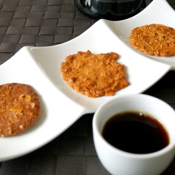 神戸を代表する3種のチュイルアマンド(アーモンド瓦せんべい)を集めています。