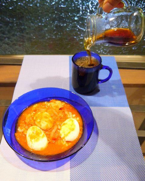 エチオピアのエッグカレー「ドロワット(卵マシマシ)」とエチオピア モカ「イルガチェフェ」