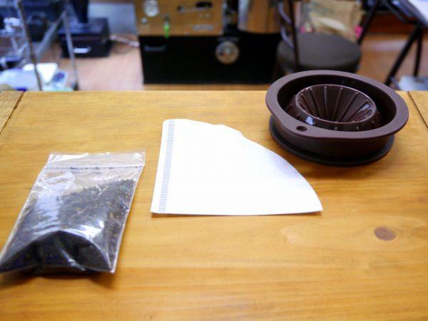 コーヒー豆(粉), ペーパーフィルター, ドリッパー