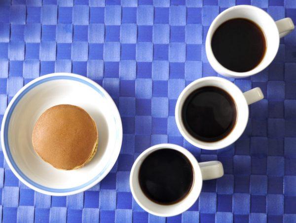 どら焼き(三笠)とコーヒー