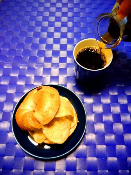 ベーグルサンドでコーヒー晩酌