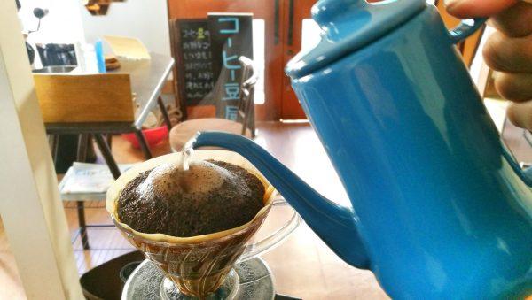 コーヒーのハンドドリップ抽出