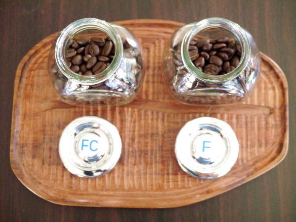 コバルトの人気No.1コーヒー豆は東ティモール レテフォホかネイビーブレンドです。