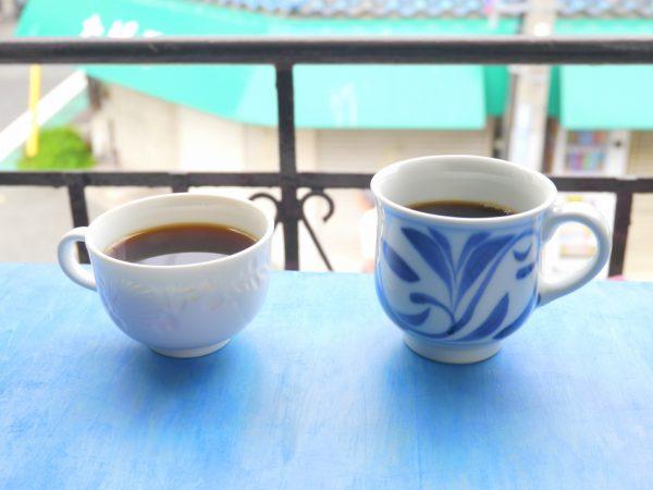出石焼と砥部焼のコーヒーカップ