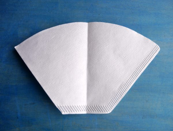 円錐形ドリッパーで台形ペーパーフィルターを使う方法 2