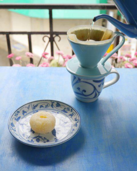 柚子餅(ゆず餅)とコーヒー