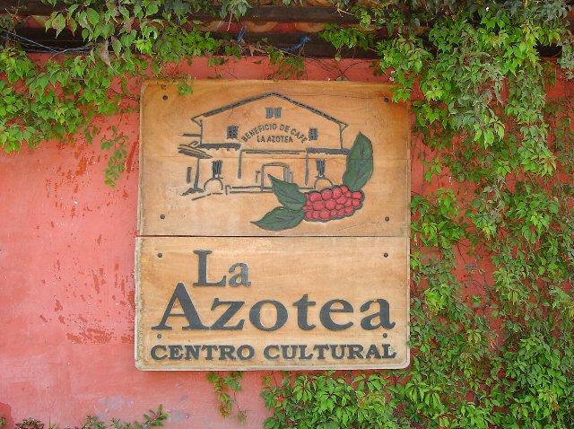 アゾテア農園の看板