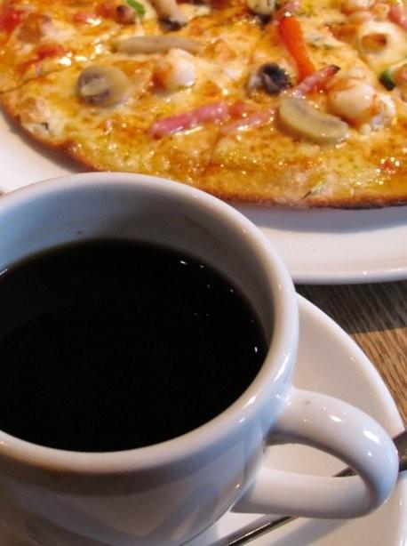 ピザとコーヒー