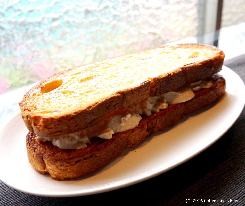 バター焼き+おぼろ豆腐の市場サンド!