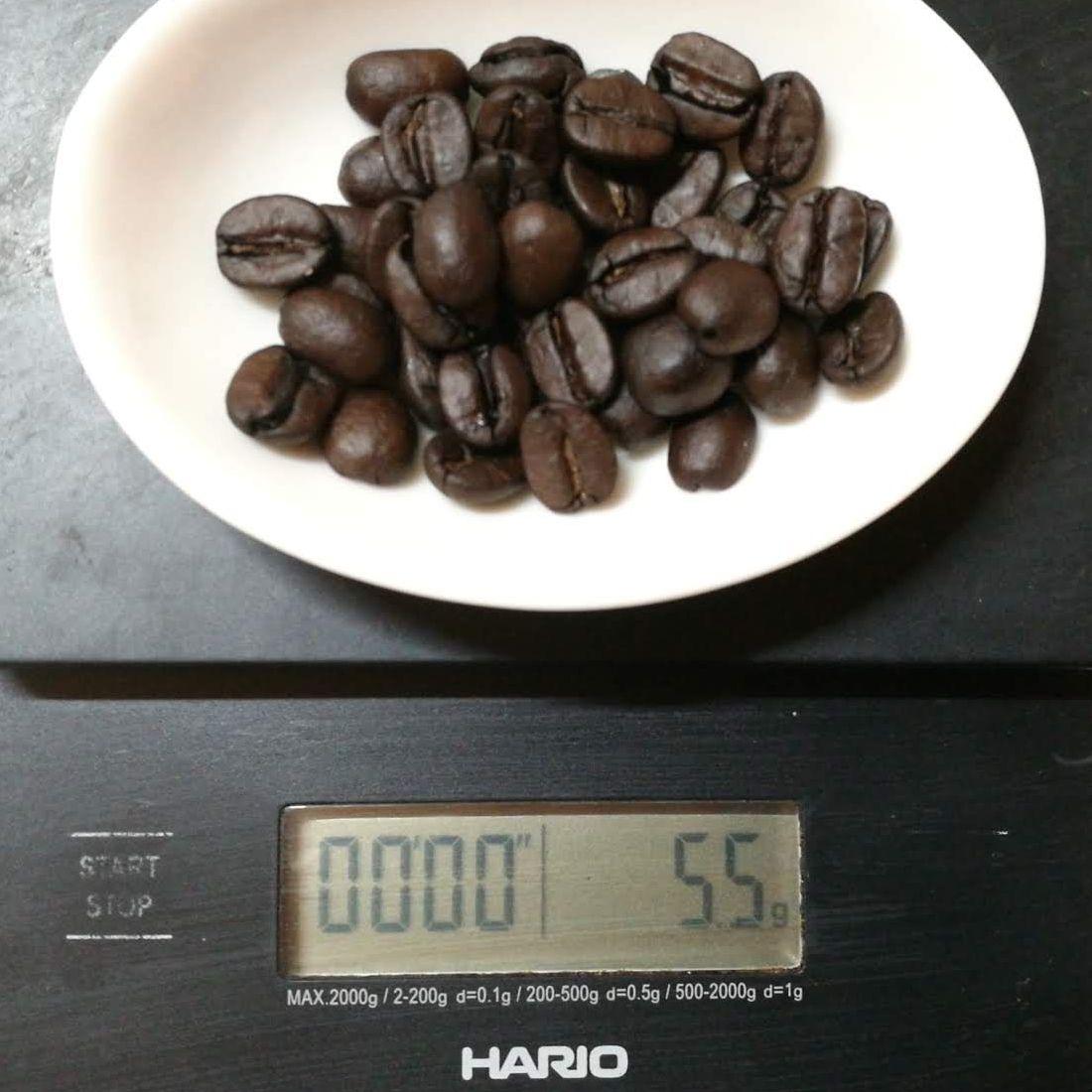 コーヒー豆46粒で5.5g
